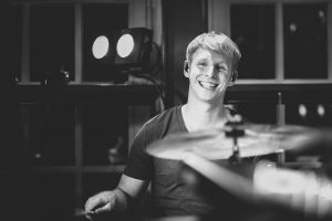 Alexander Hinz, Schlagzeuger, Hamburg, Musiker, Livedrummer, Livegig, Schauspielhaus